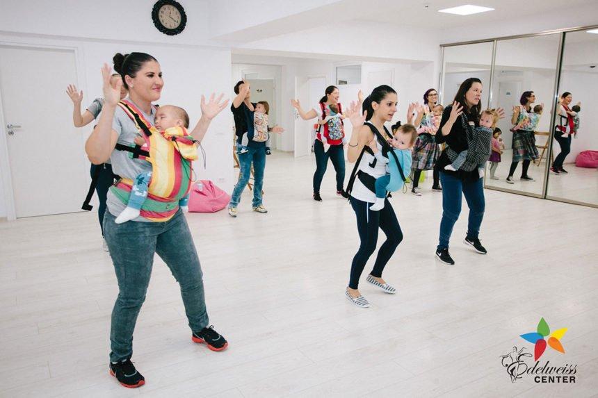Dans cu bebeluși
