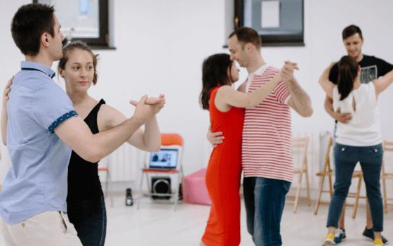 3 stiluri de dans pe care să le încerci iarna
